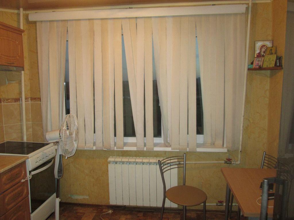 В Кирове выпал из окна на 7 этаже и разбился трехлетний ребенок.