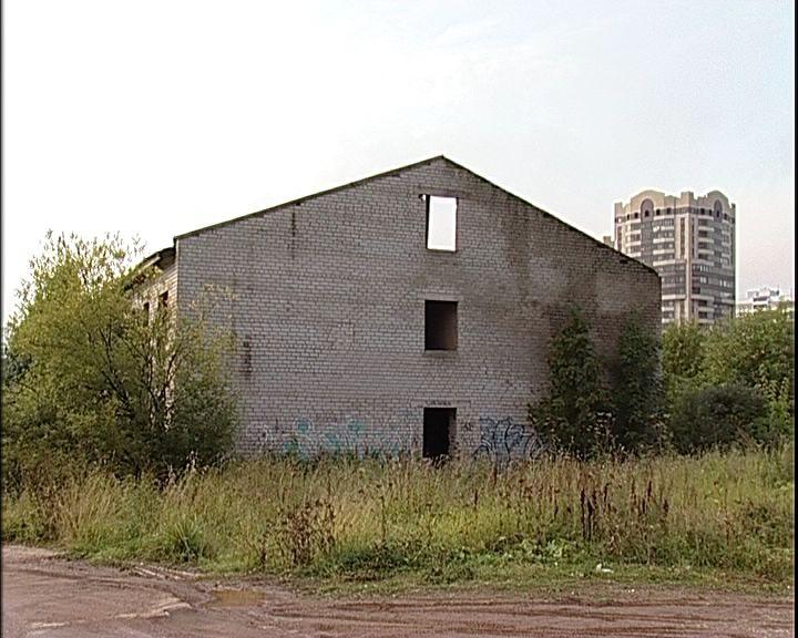 В Кирове разыскивают собственника опасного недостроя