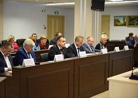 Депутаты Кировской городской Думы шестого созыва провели первое оргсобрание.