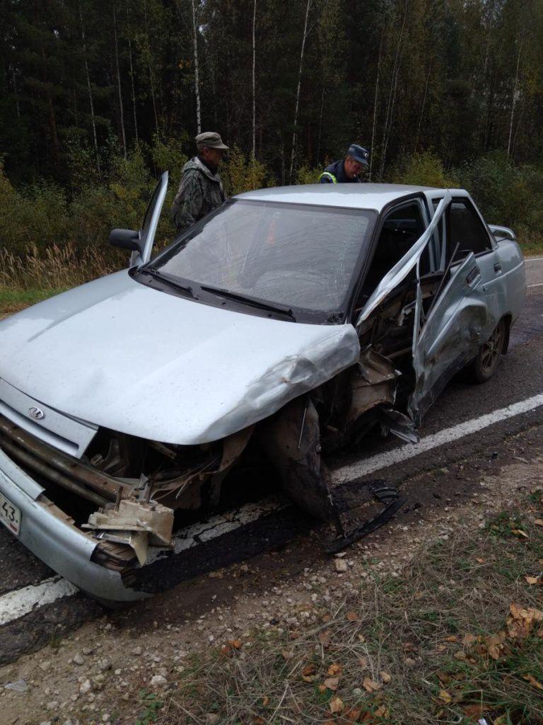 В Арбажском районе ВАЗ-21103 врезался в иномарку.