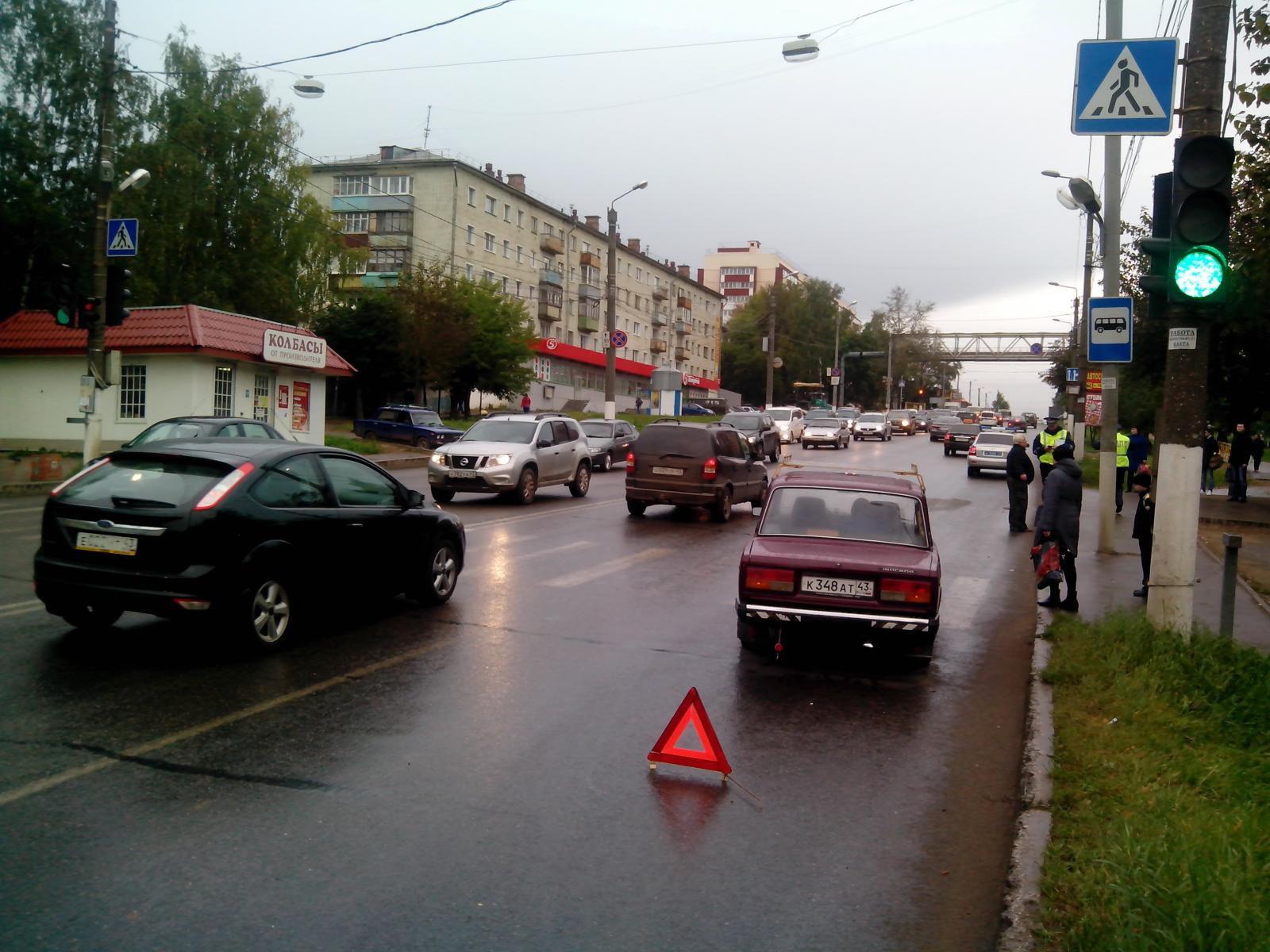 В Кирове на улице Ленина сбили пешехода.