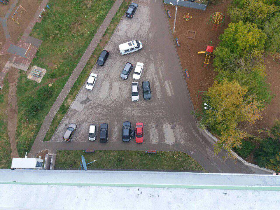 На улице Комсомольской обнаружили труп 32-летнего мужчины.