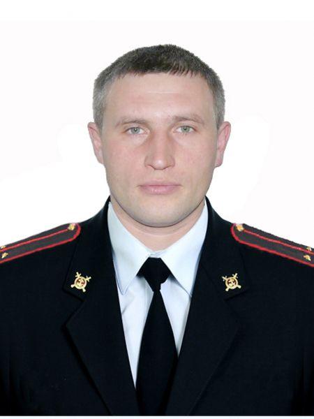 Один из полицейских, сбитых ночью на перекрестке Московской и Производственной, скончался в реанимации.
