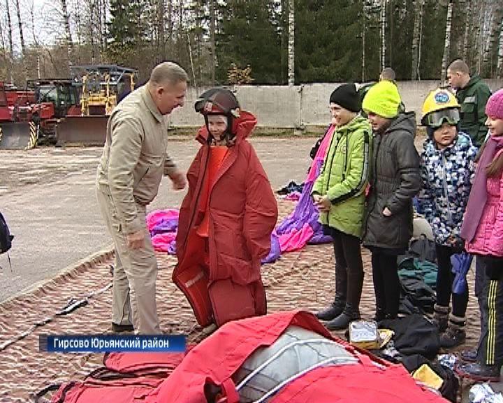 Пожарно-химическая станция в Гирсово распахнула свои двери для кировских школьников