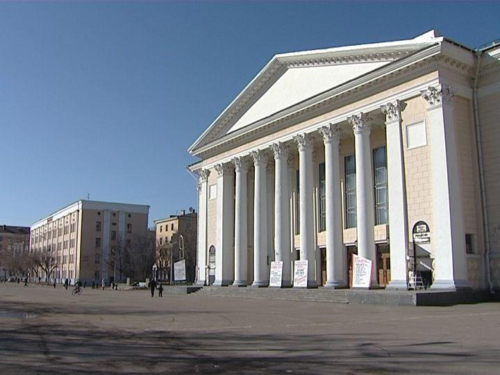 ВКирове натеатральной площади установят новейшую сцену