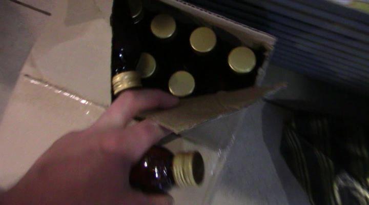 ВКирове измагазина наКомсомольской изъяли 45 литров спиртного