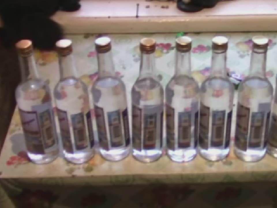 В Оричевском районе полицейские пресекли продажу спиртосодержащего суррогата.