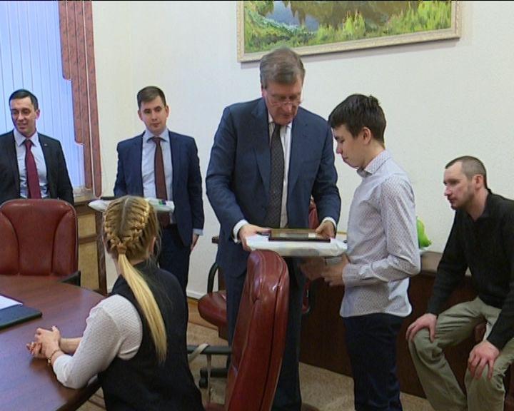 Встреча губернатора с победителями первенства Европы по спортивной акробатике