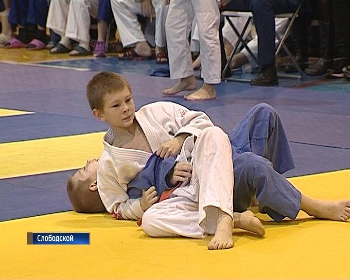 В Слободском состоялся ежегодный турнир по дзюдо памяти Михаила Зайца