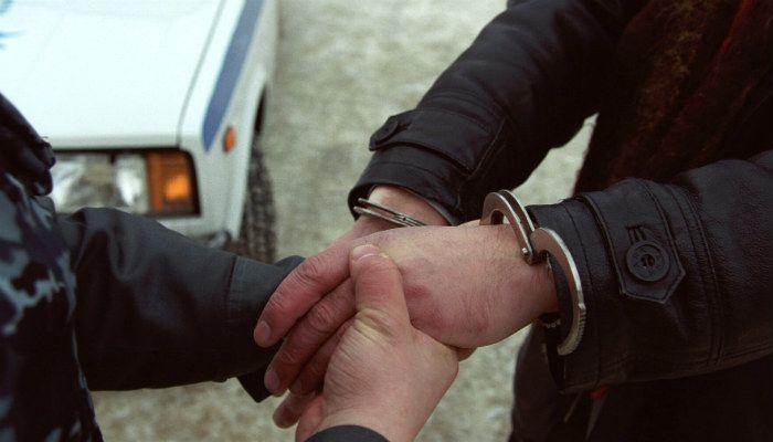 Житель п. Фаленки помог задержать вооруженного грабителя.