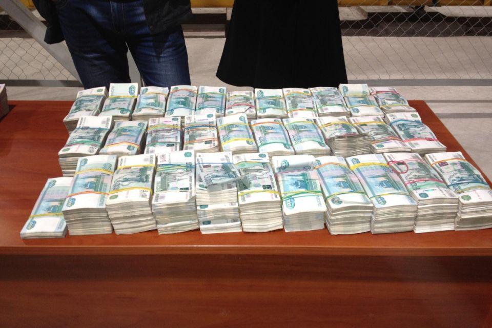 Житель Кировской области через фирмы-однодневки обналичил более 39 млн рублей.