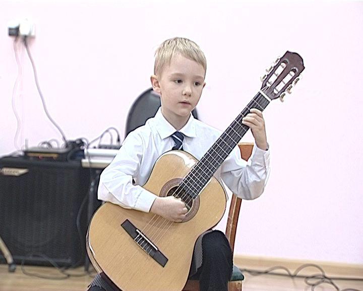 Подвели итоги конкурса исполнителей на классической гитаре «Новогодняя фантазия»