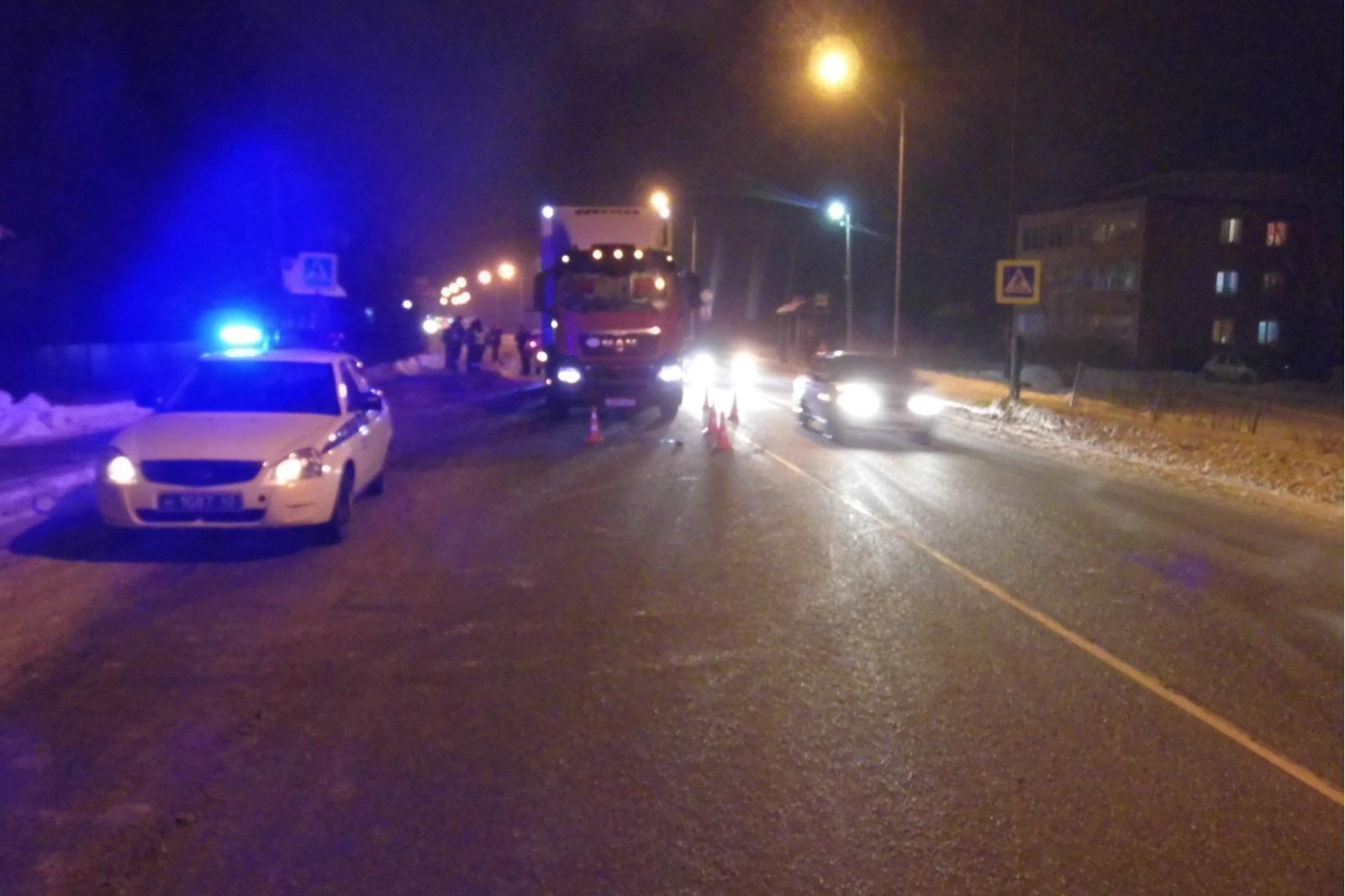 В Яранском районе водитель фуры сбил пенсионерку.