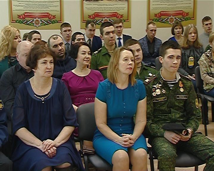Лучшим кировским призывникам вручили награды за успехи в службе