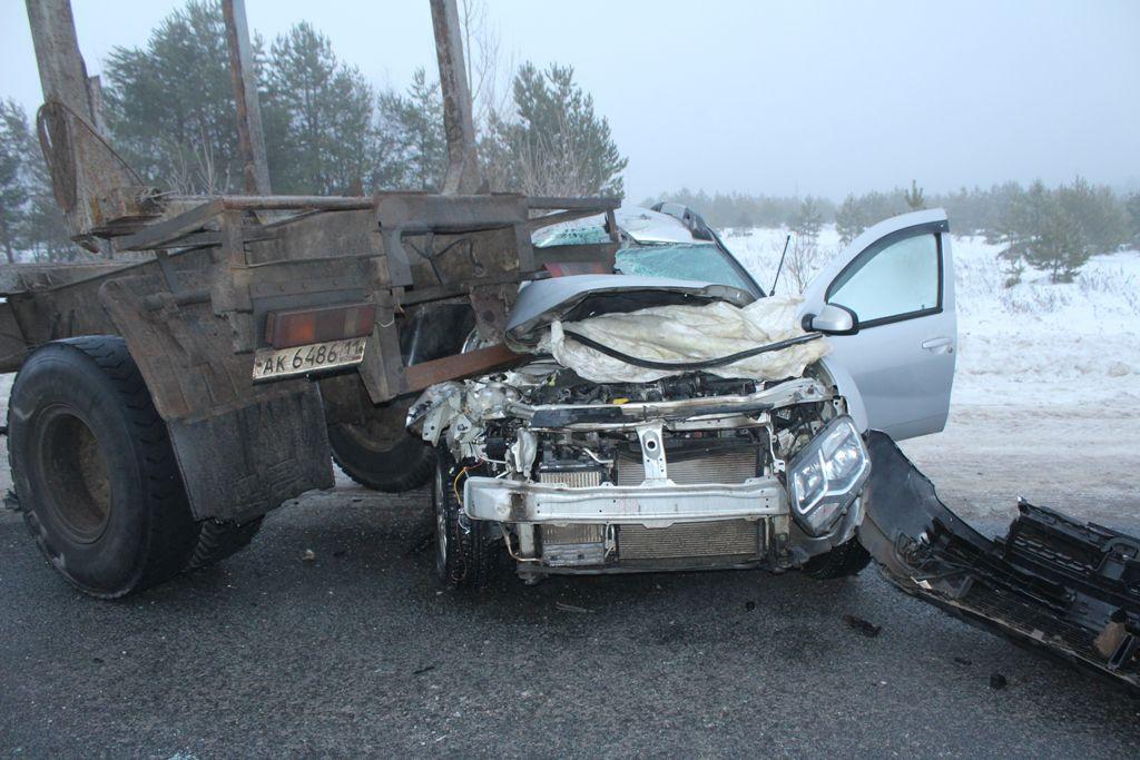 В Советском районе произошло тройное ДТП: 1 человек погиб, 4 травмированы.