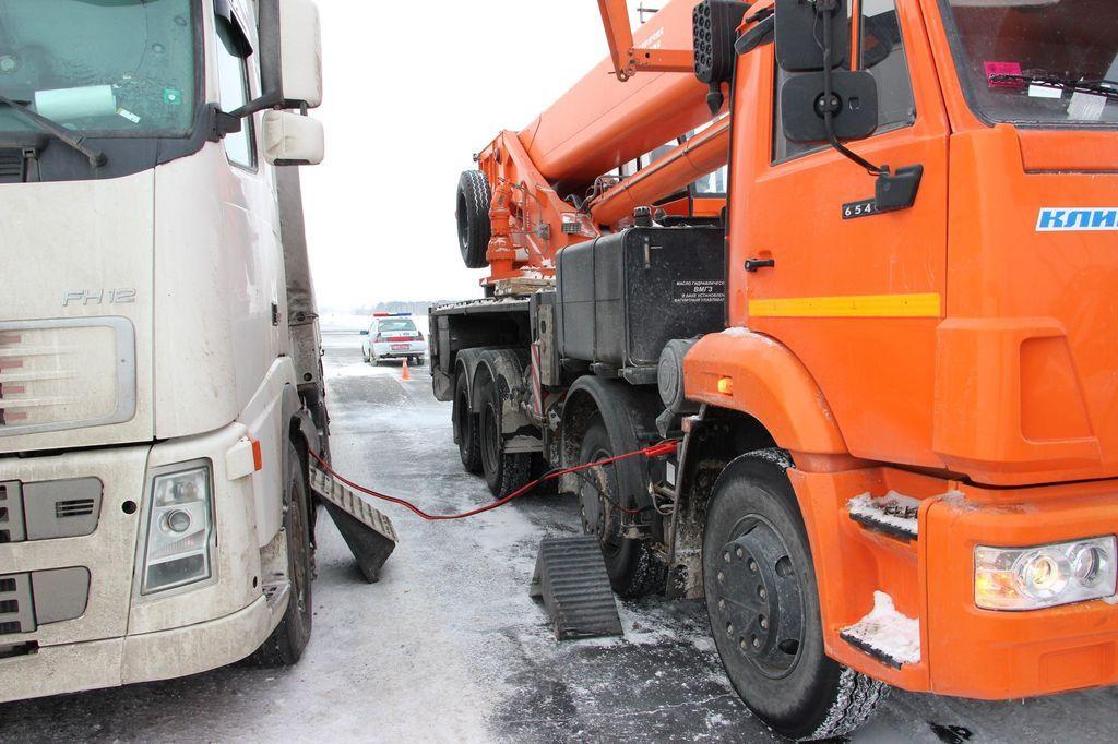 Кировские автоинспекторы помогли водителям в мороз