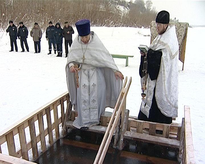 У православных верующих - крещенский сочельник