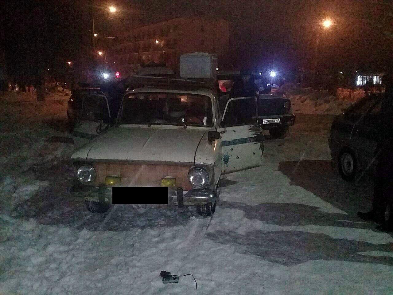 В Кирове задержали двух молодых людей, подозреваемых в угоне автомобиля.