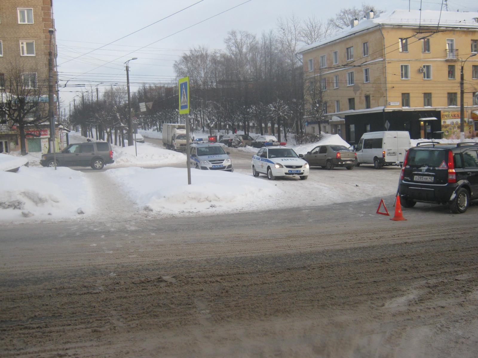 В Кирове иномарка сбила 82-летнюю женщину.