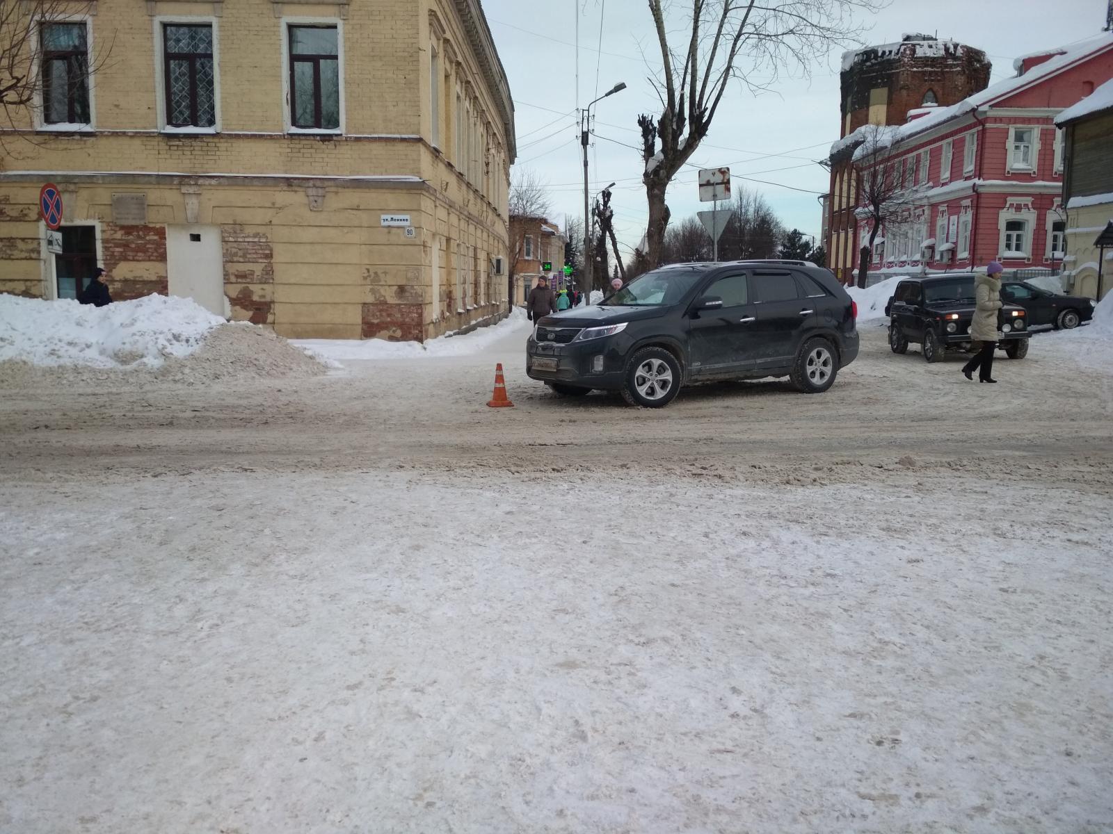 В Слободском водитель иномарки сбил 80-летнюю бабушку.