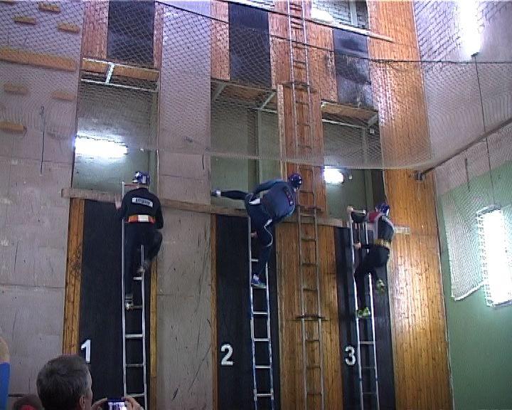 В Кирове завершились соревнования по пожарно-спасательному спорту