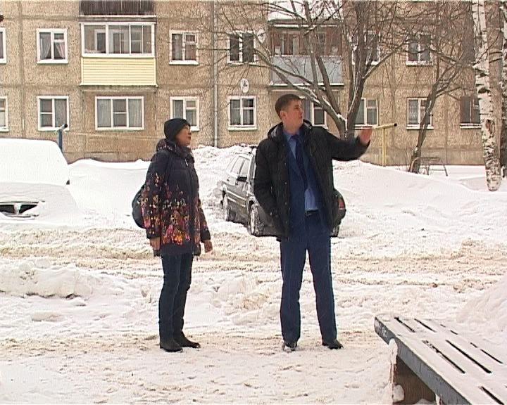 Две управляющие компании заплатят штраф за несвоевременную уборку снега с крыш