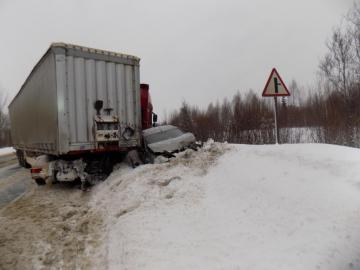 В Орловском районе водитель грузовика спровоцировал тройное ДТП.