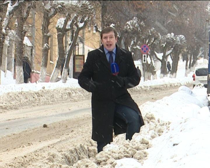 Уборка снега в городе Кирове