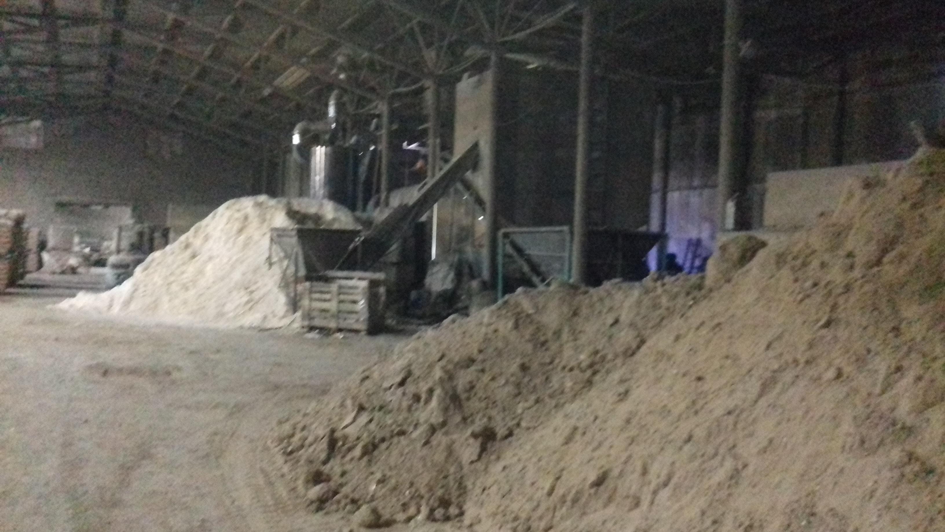 В Кирове расследуют обстоятельства гибели 30-летнего рабочего промпредприятия.