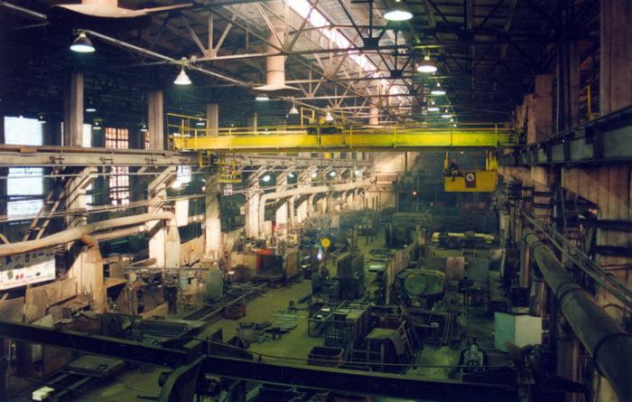 Бывшего директора ОАО «Белохолуницкий машиностроительный завод» приговорили к 5,6 годам колонии общего режима.