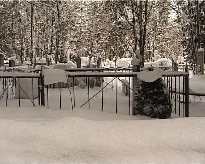 Филейское кладбище завалило снегом
