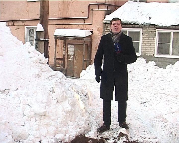 На улицах города продолжается борьба со снегом