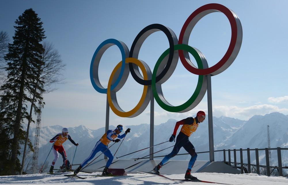 Русские лыжники завоевали серебро вэстафете назимних Играх