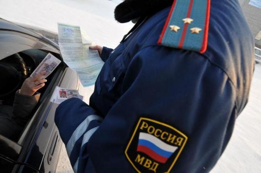 ВКирове задачу взятки автоинспекторам осудили пермского медработника