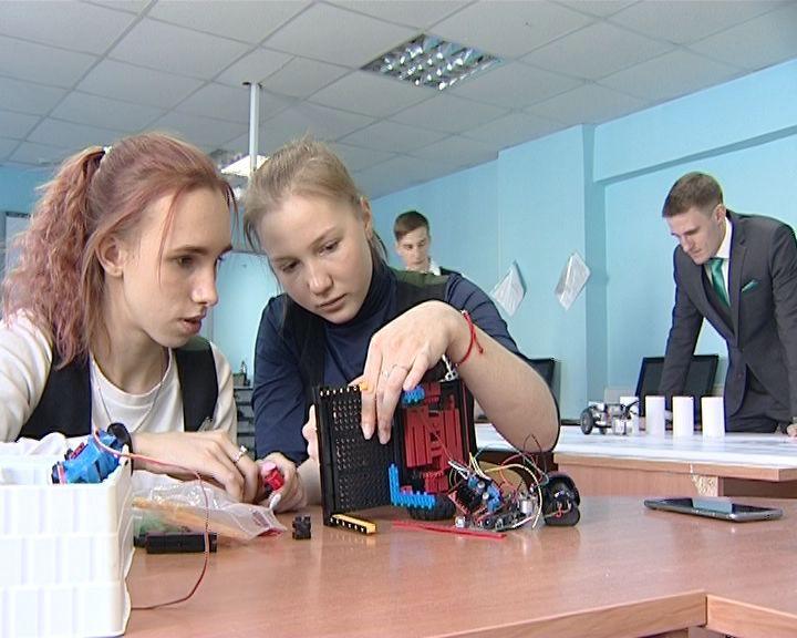 Кировские школьники продолжают покорять вершины робототехники