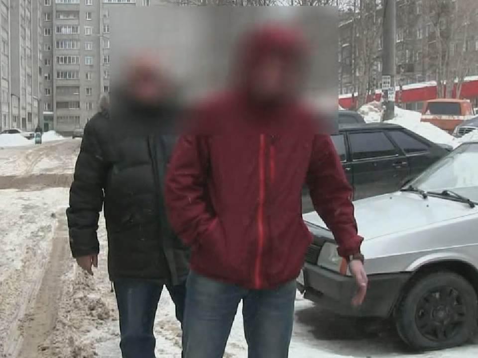 В Кирове задержали двух мужчин, подозреваемых в серии краж автомобильных аккумуляторов.