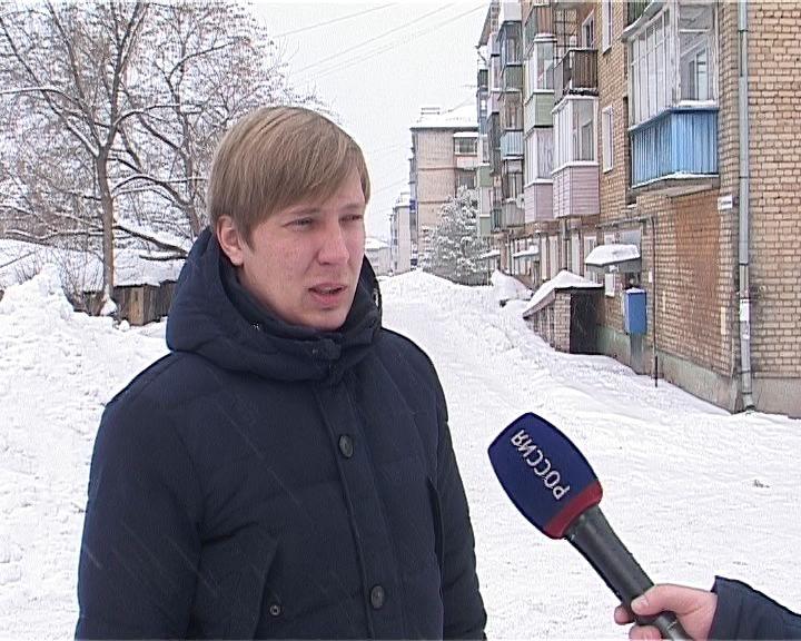 Рейд по очистке крыш от снега в городе Слободском