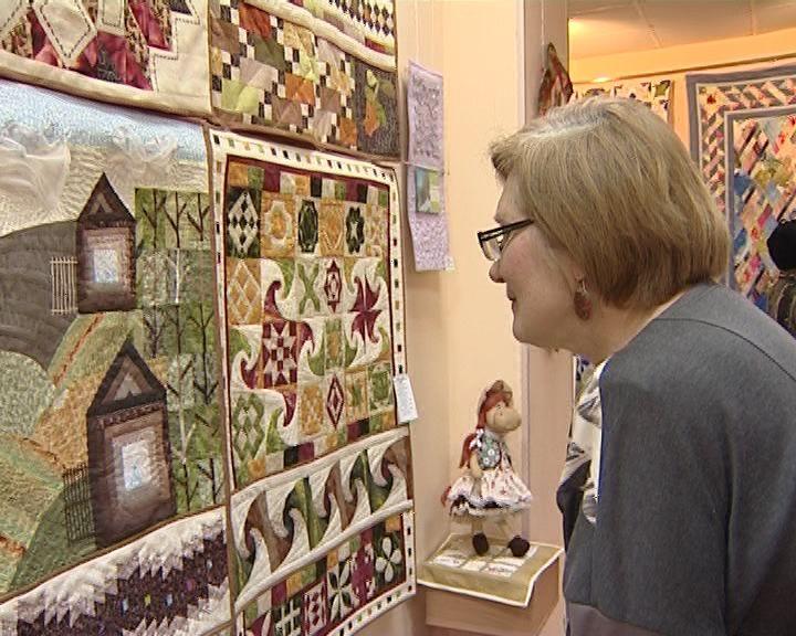 В ОДНТ открылась юбилейная выставка
