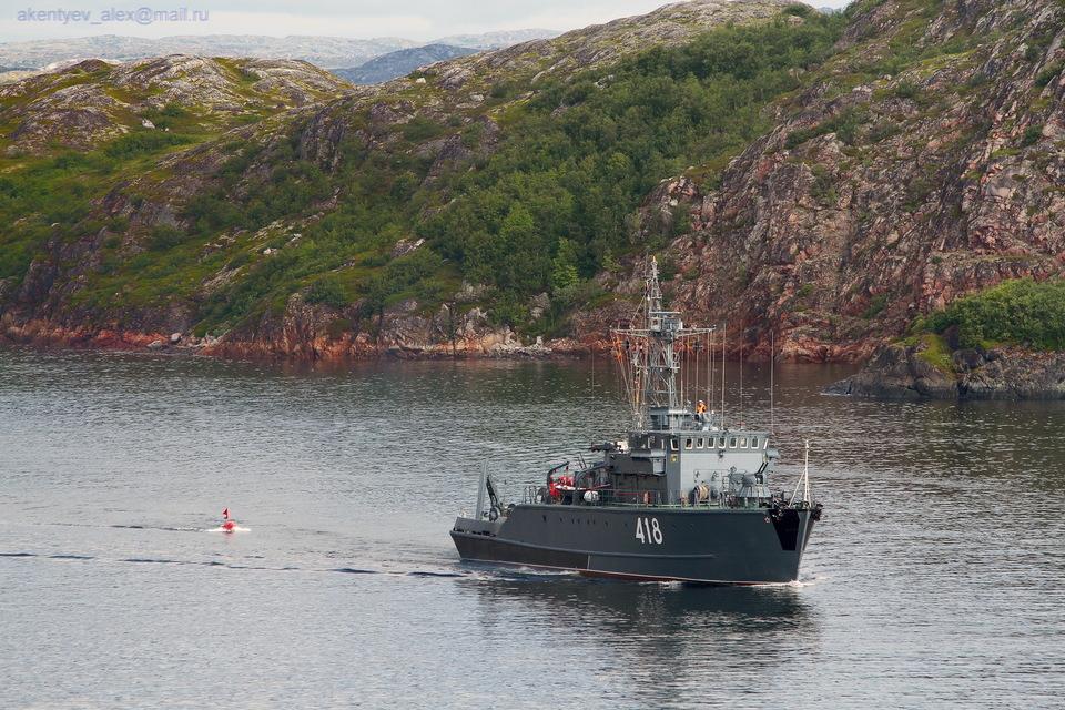Противоминный тральщик «Котельнич» принял участие в учениях Северного флота России.