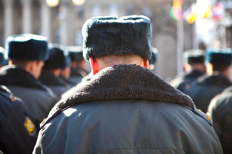 Сотрудника кировской полиции уволили за служебный подлог.