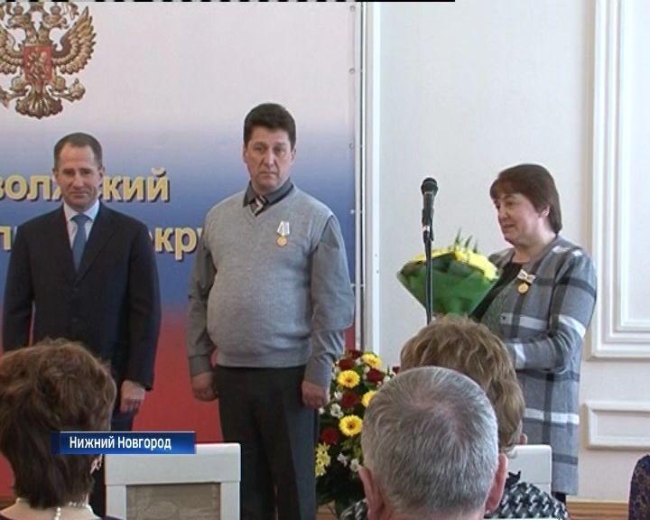 Михаил Бабич вручил награды кировчанам