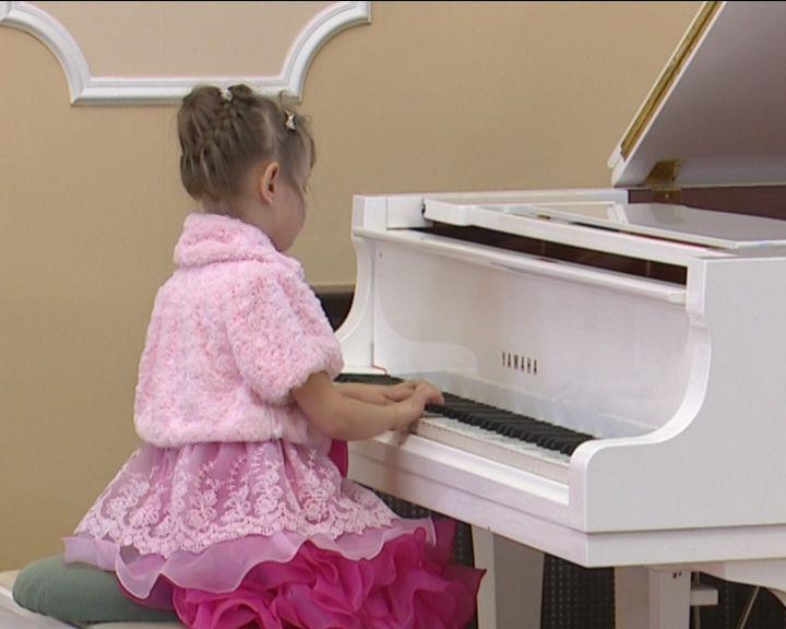 В Кирове проходит конкурс для самых маленьких исполнителей
