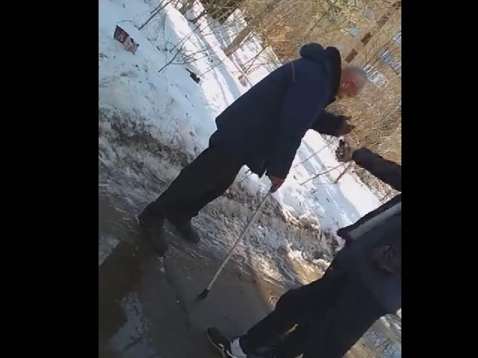 В Кирово-Чепецке полиция проводит проверку по факту нападения подростков на мужчину.