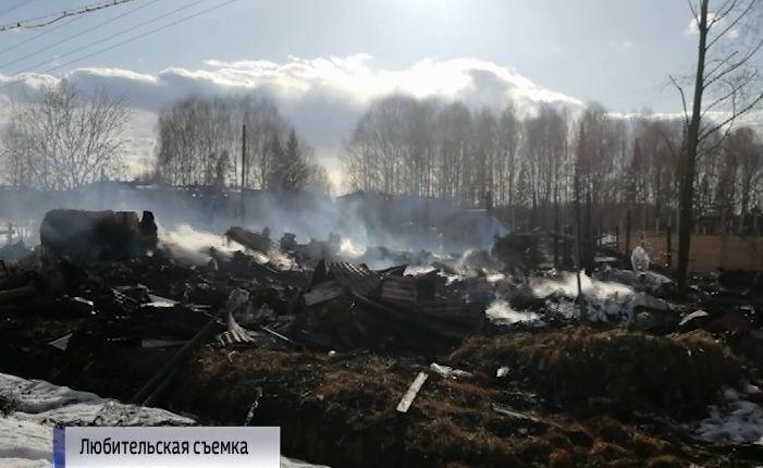 Община в поселке Пунгино, где жили люди, особенно нуждающиеся в крыше над головой, сгорела