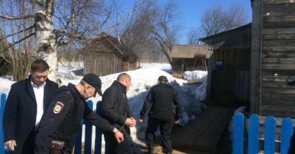 38-летнего жителя Куменского района подозревают в убийстве отца.