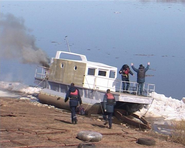 Паводковые учения спасательных служб на воде