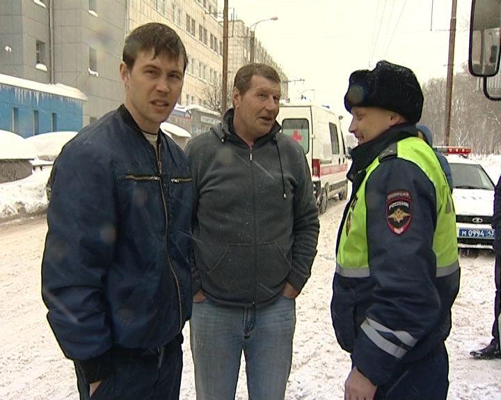 Снежная стихия в Кирове не думает отступать