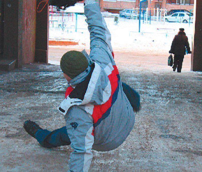 15 человек пострадали в Кирове из-за снегопада.