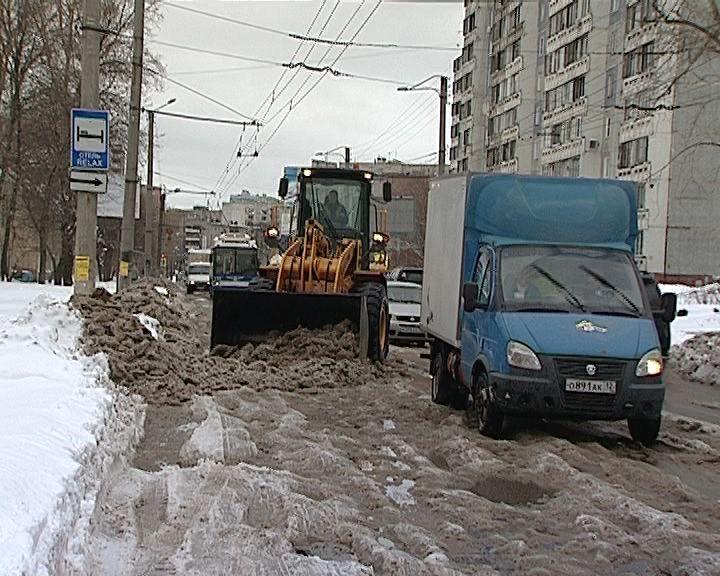 Ситуация на дорогах города Кирова остается сложной