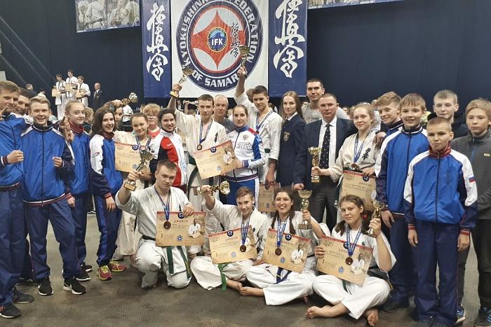 Кировские каратисты завоевали пять золотых медалей на всероссийском турнире «Кубок Шихана».